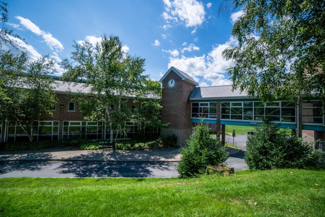 Photo of Lake George High School in Lake George, NY